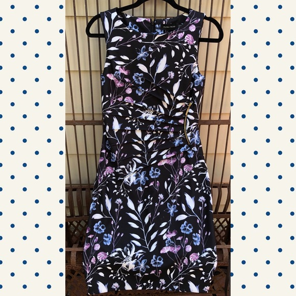 a8017af4 Ivanka Trump Dresses | Floral Starburst Sheath Dress Size 4 | Poshmark